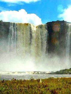 Cascada Salto Merú, Ciudad Bolívar, Venezuela                                                                                                                                                                                 Mais