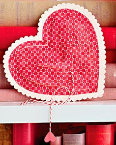 Heartstrings Valentine's Day Card!  A valentine message is revealed when you pull the string. 2 tutorials for this card   - here's ANOTHER tutorial:  http://theembellishednest.wordpress.com/2011/02/05/cobweb-valentine/