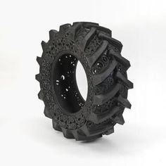 Pneu hand-carved car tyres by Wim Delvoye. The Belgian artist Wim Delvoye and his hand-carved car tyres work name Pneu is providing evidence of what masterpiece can be made out of the most ignored objects. In one word: wow! Tire Art, Old Tires, Car Tyres, Recycled Tires, Recycled Rubber, 3d Prints, Art Plastique, Malm, Amazing Art