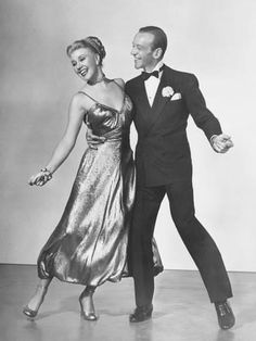 photo Ginger Rogers Fred Astaire film The Barkeleys of Broadway Fred Astaire, Old Hollywood Glamour, Golden Age Of Hollywood, Classic Hollywood, Shall We Dance, Just Dance, Comedia Musical, Cyd Charisse, Divas