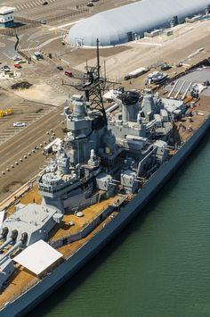 Battleship IOWA is an award-winning Los Angeles Museum exhibit and tour. Visitors experience history first-hand by either taking a self-guided or guided. Navy Coast Guard, Uss Iowa, Los Angeles Museum, Go Navy, Capital Ship, Us Navy Ships, Navy Life, Big Guns, Super Yachts