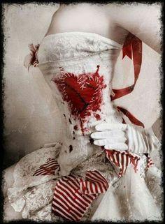 Raggedy Ann corset, this looks like something emilie autumn would make Dark Circus, Circus Circus, Night Circus, Raggedy Ann, Queen Of Hearts, Gothic Steampunk, Steampunk Circus, Mode Style, Gothic Fashion
