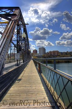 Victoria Bridge in Saskatoon, Saskatchewan in Canada.  Great photo by Randy Goertzen  © eneRGy Photoart