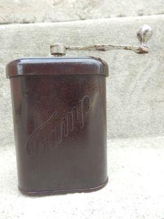 Gut erhalten GARANTIE BO Glanz Bakelit Tramp 1 Kaffeemühle WKII WH Ausrüstung