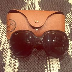 9cfa1e5875c  24.99---  Ray Ban RB4098 Jackie Ohh II Sunglasses Light Havana Frame Grey  Lens