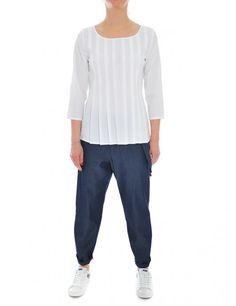 CAMICIA DONNA BIANCO camicia in cotone elasticizzato con pieghe sul davanti  #classic #camicia #bianca #casual #daywear #shoponline #caneppele #trento #brunellocucinelli #giannichiarini #moncler #barba #harriswharf #churchs #lautrechose #rialto48 #ss2017 #woman #collection #leathercrown #madeinitaly