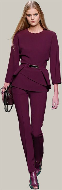 Mooi, net even anders en toch zakelijk genoeg ELIE SAAB - Ready-to-Wear - Fall Winter 2014-2015