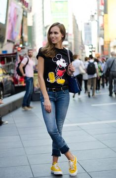 Casual Disney Outfits, Disney World Outfits, Disneyland Outfits, Cute Outfits, Fashion Outfits, Camisa Do Mickey, Looks Style, Casual Looks, Outfits Con Camisa