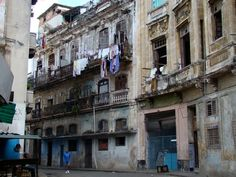 Cubans Speculate About What the Right to Buy and Sell Homes Will Mean