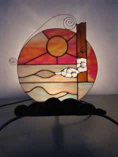 EXCEPTIONNELLE LAMPE Vitrail Sur Socle en Fer Forgé PIECE UNIQUE : Vitraux par mary-ann