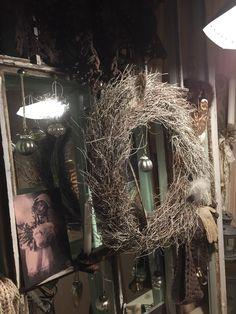 Handmade Clothes, Uni, Christmas Wreaths, Chandelier, Moon, Ceiling Lights, Holiday Decor, House, Vintage