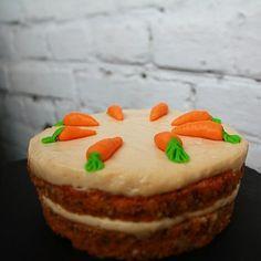 Нежный  морковный торт, с добавлением  цитрусовой нотки, орехов пекан, крем…