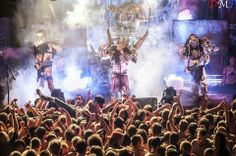 Great photo of Gwar.......But then again there aren't any shitty photos of them!