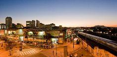 Considerado um dos mais importantes bairros da capital paulista, a Lapa comemora 422 anos neste domingo. O aniversário será celebrado com a Feira de Artes e Cultura da Lapa, que acontece das 10h às 19h, com entrada Catraca Livre.