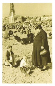 Nostalgia Postcard So This is Blackpool, Picture Post 1939 Repro Card Blackpool Beach, Blackpool Pleasure Beach, Richmond Bridge, Stevenage, Ww2 Pictures, Barnsley, South Yorkshire, River Thames, Black And White Photography