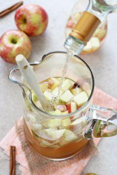 Honey Recipes, Tea Recipes, Fall Recipes, Whole Food Recipes, Drink Recipes, Honey And Cinnamon, Cinnamon Apples, Drinks Alcohol Recipes