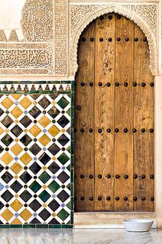 This photo from Granada, Andalucia is titled 'Moorish Door'. Art Et Architecture, Islamic Architecture, Beautiful Architecture, Islamic World, Islamic Art, Old Doors, Windows And Doors, Casa Gaudi, Moroccan Interiors