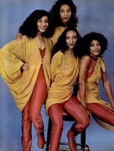 Sisters Sledge Beautiful Joni Sledge (first from the left) died peacefully at home on March 2017 aged just 60 years old. May she rest in God's eternal peace. Music Icon, Soul Music, Music Is Life, Indie Music, Music Music, Soul Singers, Female Singers, Caricatures, Divas