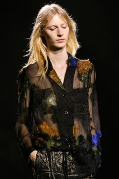 Julia Nobis in Dries Van Noten Spring 2015 Ready–to–Wear. #SS15 #PFW