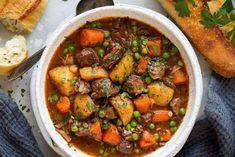 Exquisito estofado de res a cocción lenta Slow Cooker Recipes, Crockpot Recipes, Cooking Recipes, Sous Vide, Recetas Crock Pot, Slow Food, Lunch Recipes, Dinner Recipes, Pot Roast