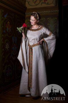Mittelalter Kleid aus Leinen Anna von Kiew