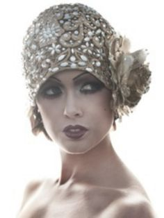 Now this would be a Wedding Hat Gatsby Style Cloche Hat! Or wear it for your special night out! You can create a similar look with glitzy fabric beads and a flower. Vintage Outfits, Vintage Fashion, Trendy Fashion, Fashion 1920s, Women's Fashion, Milk Fashion, Flapper Fashion, Fashion Lookbook, Dress Vintage