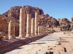 http://jordanpetraprivatetour.com/features/petra-full-day-travel-tour.html