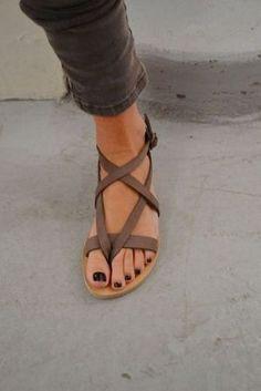 un sandlias marron