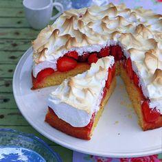 Erdbeer-Baiser-Torte   BRIGITTE.de