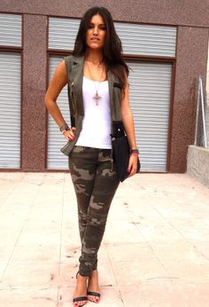 Discover and organize outfit ideas for your clothes. Decide your daily outfit with your wardrobe clothes, and discover the most inspiring personal style Mode Camouflage, Camouflage Fashion, Camo Fashion, Military Fashion, Love Fashion, Autumn Fashion, Fashion Outfits, Military Style, Military Jacket