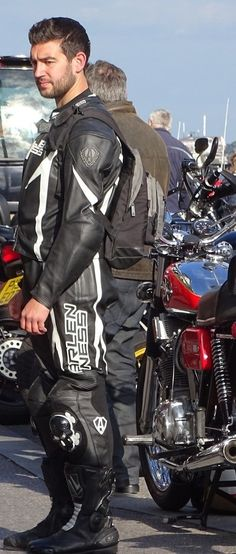 Located In southern England. All photos taken by me so please credit me if you use/share them, don't just steal them! My bike and myself in photos above! Bike Suit, Motorcycle Suit, Motorcycle Leather, Biker Leather, Leather Men, Sexy Biker Men, Sexy Men, Boys Leather Jacket, Biker Gear