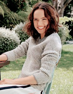 (FC: Daisy Ridley) Hello, I'm Lianara Maxwell, but call me Lia. I'm 17 years old and single. I have the power to control light, and I can sing pretty well. My weapons are..