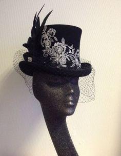 3fdd6607ab9 Jane Hammill used hat blocks to make this fabulous topper.
