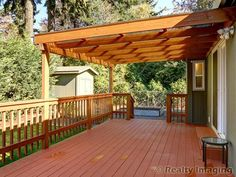 covered deck designs pictures - covered deck pictures - covered deck ideas on a budget - roof over deck pictures - how to build a covered deck roof - deck roof styles - deck roof designs - roof over deck plans Diy Pergola, Deck With Pergola, Diy Deck, Patio Roof, Pergola Kits, Backyard Patio, Cheap Pergola, Pergola Ideas, Deck Overhang Ideas