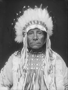 "Dakota Two Kettle War Chief To-Ka-Kin Uyaya (Runs The Enemy) in Native Dress with Headdress - Gill - MAR 1910 Two Kettles or O'ohe Nuŋpa (O'ohenuŋpa, O'ohenonpa - ""Two Boilings"" or ""Two Kettles"") was a large sub division of the Lakota Sioux tribe of..."