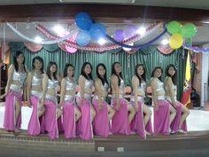 Grupo de estudiantes del grupo de danza Arabe del Liceo Femenino Mercedes Nariño (Bogotá-Colombia)