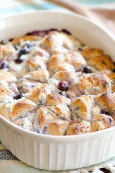 Blueberry Ricotta Breakfast Bubble Up Bake With Refrigerated Biscuits, Whole Milk Ricotta Cheese, Powdered Sugar, Milk, Fresh Blueberries What's For Breakfast, Breakfast Dishes, Breakfast Recipes, Breakfast Healthy, Morning Breakfast, Breakfast Dessert, Breakfast Casserole, Brunch Recipes, Sweet Recipes