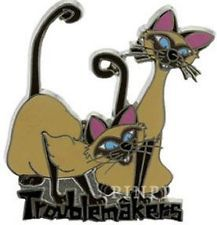 Disney Lady Tramp Twin Siamese Cats Troublemakers Si And Am Villains Pin Disney Pins Disney Ladies Disney Villains