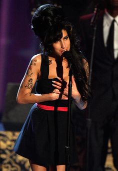 More Pics of Amy Winehouse Strapless Dress (13 of 16) - Amy Winehouse Lookbook - StyleBistro