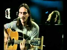 James Taylor - You got a friend :: HQ :: The first part of the video is with James Taylor young then appears older.