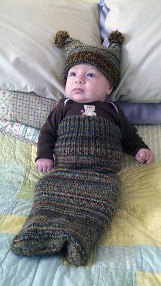 Knitting Patterns Sleep Sack Ravelry: Snug As A Bug Sleep Sack pattern by Robyn Devine Loom Knitting Patterns, Knitting Projects, Crochet Patterns, Baby Cocoon, Crochet Bebe, Knitted Baby Blankets, Sleep Sacks, Pattern Library, Free Baby Stuff