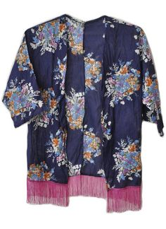 Kimono Floral azul com franjas! #kimono #musthave #girlstyle #modafeminina #fashion #boho #franjas #blue #flowers