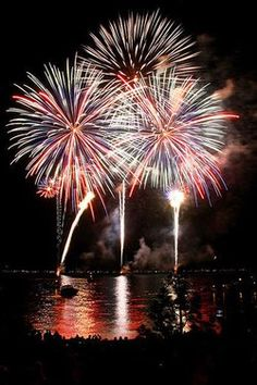 The Best 4th of July Fireworks in the USA! #fireworks #4thofJuly #IndependenceDay