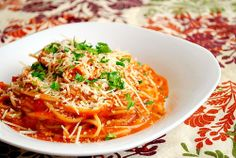 Pesto Meat Sauce @ What's Cookin' Chicago? Fancy Appetizers, Easy Appetizer Recipes, Pasta Recipes, Pasta With Meat Sauce, Pasta Sauces, Slow Cooker Recipes, Crockpot Recipes, Crock Pot Cooking, Meatball Recipes