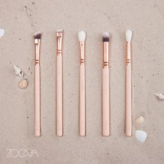 Beach beauties. Create a glowing summer look with our Rose Golden Vol. 2 brushes. www.zoeva.de