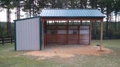 run in shed with hay storage Horse Shed, Horse Barn Plans, Horse Stables, Horse Gear, Small Horse Barns, Loafing Shed, Horse Shelter, Run In Shed, Barns Sheds