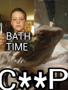 This lizard hates baths