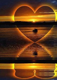Asombroso reflejo de una corazón en la playa | Amazing reflection of a heart at the beach - #atardecer #sunset
