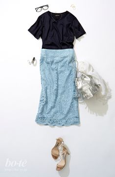 love the lace skirt! Office Fashion, Work Fashion, Skirt Fashion, Daily Fashion, Fashion Beauty, Fashion Outfits, Womens Fashion, Office Outfits Women, Trendy Outfits