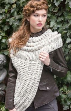 I bet I could figure out a crochet version of this: Survival Cowl Free Knitting Pattern from Red Heart Yarns Love Knitting, Knitting Patterns Free, Free Pattern, Crochet Patterns, Crochet Scarves, Knit Crochet, Knit Cowl, Knitted Poncho, Red Heart Yarn